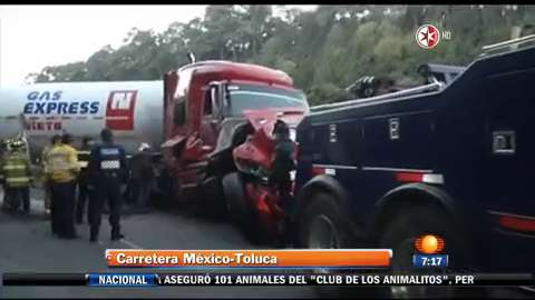 Vuelca pipa de Gas Express Nieto
