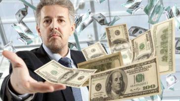 la lista de las 10 personas más ricas del mundo en 2019 según la revista especializada en el mundo de los negocios y las finanzas, Forbes.