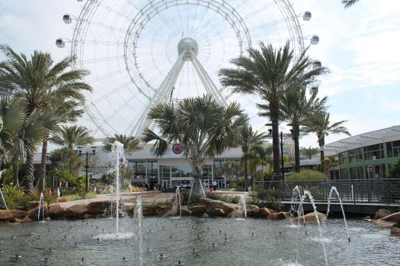 The Orlando Eye towers over the I-360 entertainment complex, which features Madame Tussauds wax museum and the Orlando Sea Life Aquarium. Photo: Renata Sago.