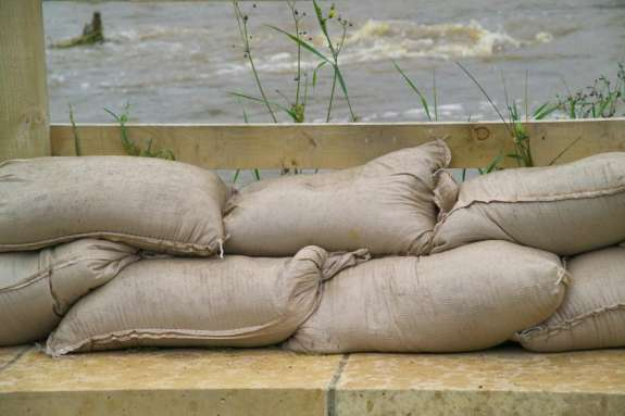 Osceola County planned to distribute 15,000 sandbags on Friday. Photo: Citrus County Network.