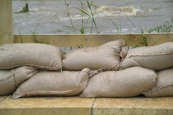 Central Floridians Get Sandbags in Preparation for Flooding
