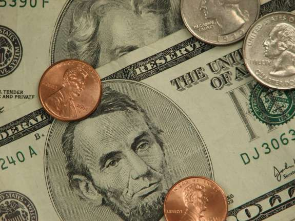 Under the proposed ordinance, companies that do business with Osceola County would have to pay their workers $11.66 starting next year. Photo: EmploymentLaw.