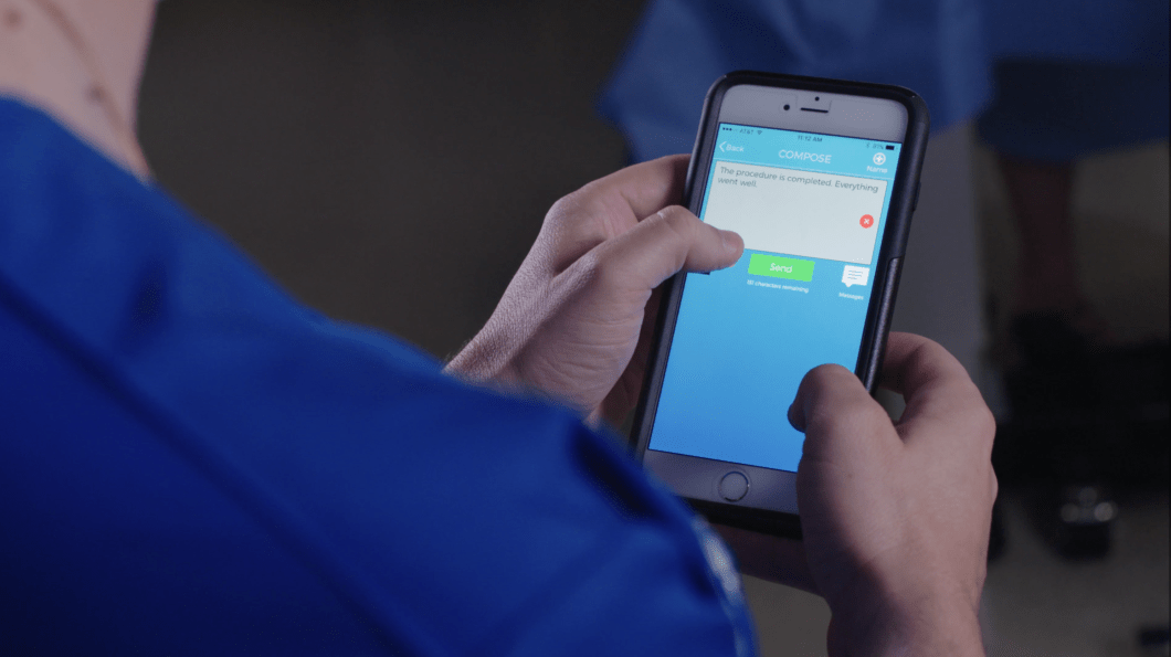 A new app makes it easier for families to communicate with family members in the hospital. Photo: EASE