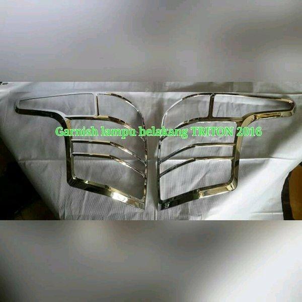 garnish lampu belakang mitsubishi Triton 2016