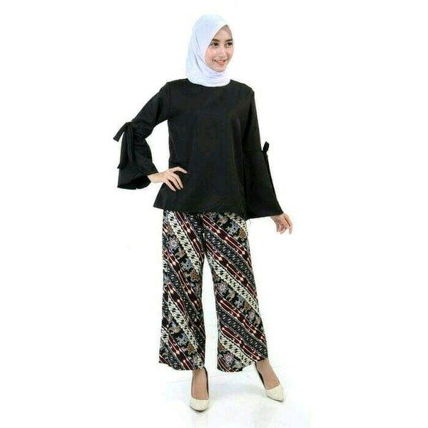 Stelan Blouse tangan terompet - Celana kulot - Stelan wanita trendy model terbaru - Blouse slurf berkualitas - celana katun batik simpel dan elegan