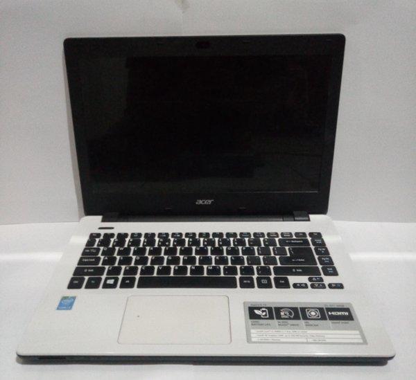 Komputer Laptop Acer Aspire E5-471-30Q8 core i3 4Gb tam DDR3 putih Terlaris di Garut