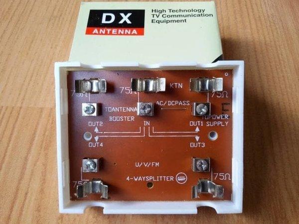paling murah DX Antenna BS-UV4 UHF VHF FM 4 Way Splitter 1 Input Antena 4 Output TV