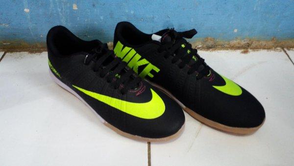 Nike merkurial kw warna hitam list kuning