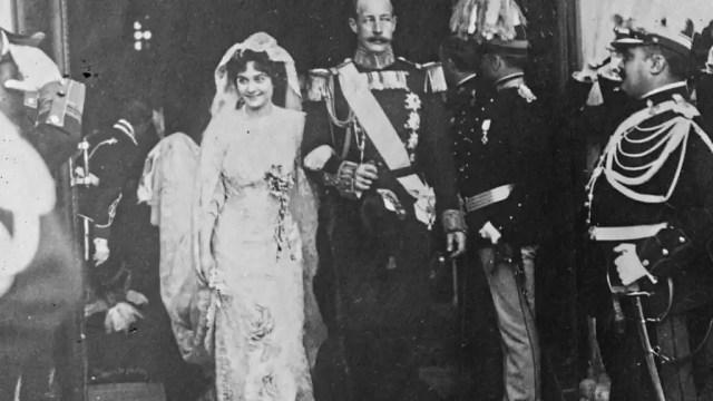 Esponsales de Marie Bonaparte con Jorge de Grecia y Dinamarca.