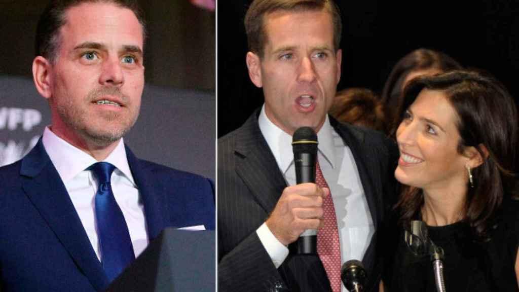 A la izquierda, Hunter Biden. A la derecha, su hermano Beau y su mujer Halle.