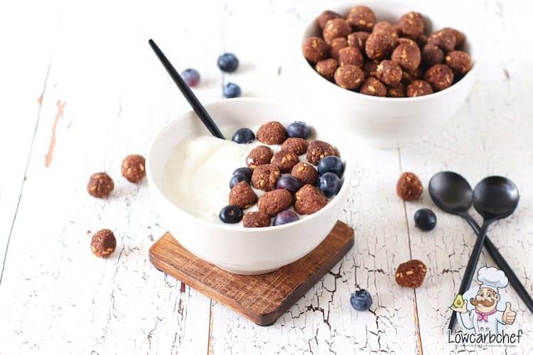 Sereal dengan yogurt.