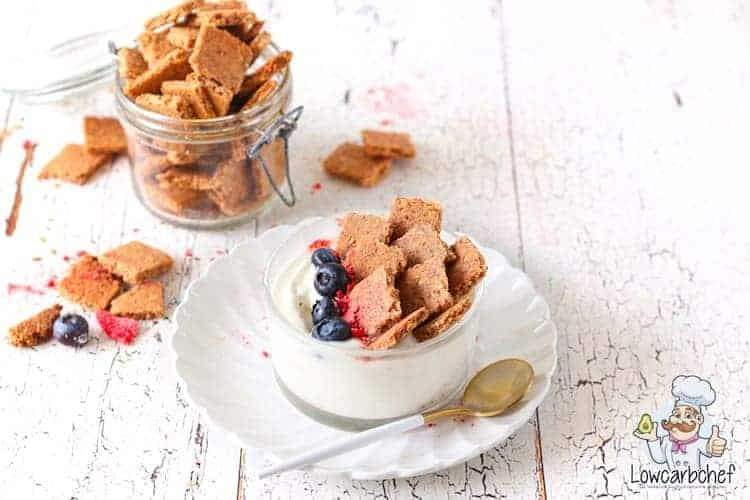Low-carbohydrate cereal with cinnamon.