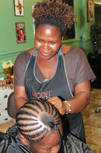 African Hair Dresser BestDressers 2017
