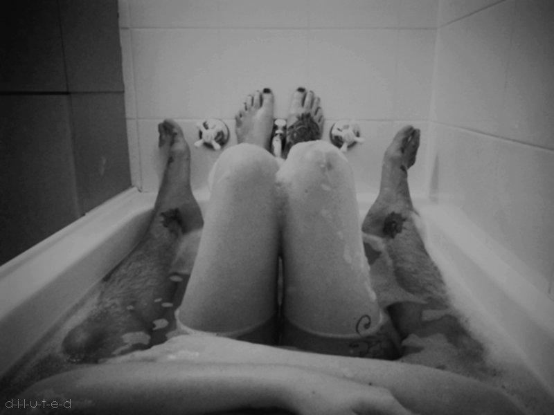 https://i2.wp.com/s3.favim.com/orig/46/bath-black-and-white-couple-love-tattoo-Favim.com-425596.jpg