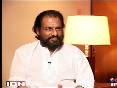 Singer Yesudas said women should not wear jeans. IBNLive