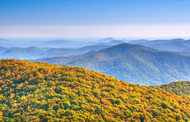 Panoramic view from Brasstown Bald, the highest natural point in the state of Georgia, USA, with a summit elevation of 4,784 feet (1,458 m)