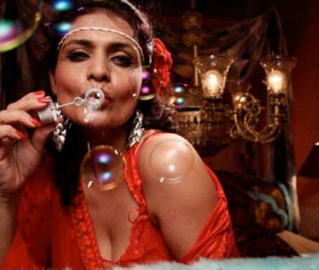Miss Lovely Sensationalised With Real Horror Porn Clips Watch Trailer Entertainment News India Com
