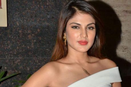 Rhea Chakraborty to Work With Nikhil Dwivedi? Producer Says His Tweet Was a  'Mark of Protest' | India.com