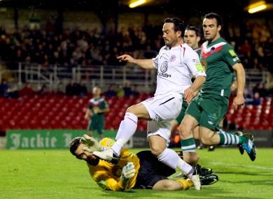 Mark McNulty saves from Raf Cretaro.