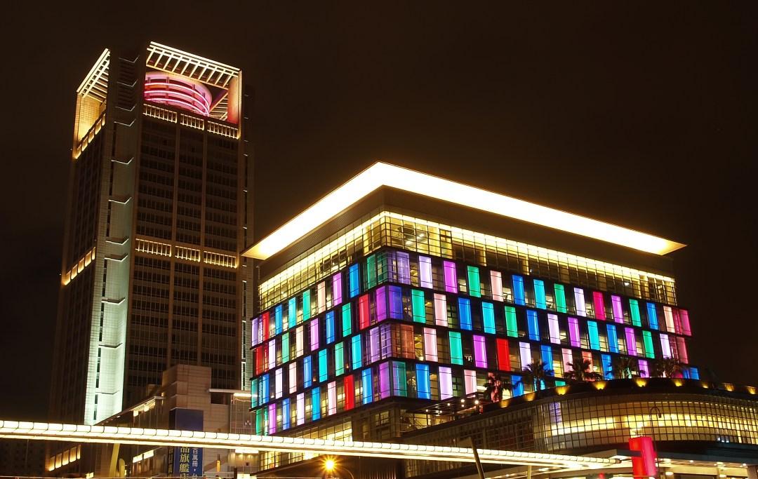Build-lighting-in-Japan