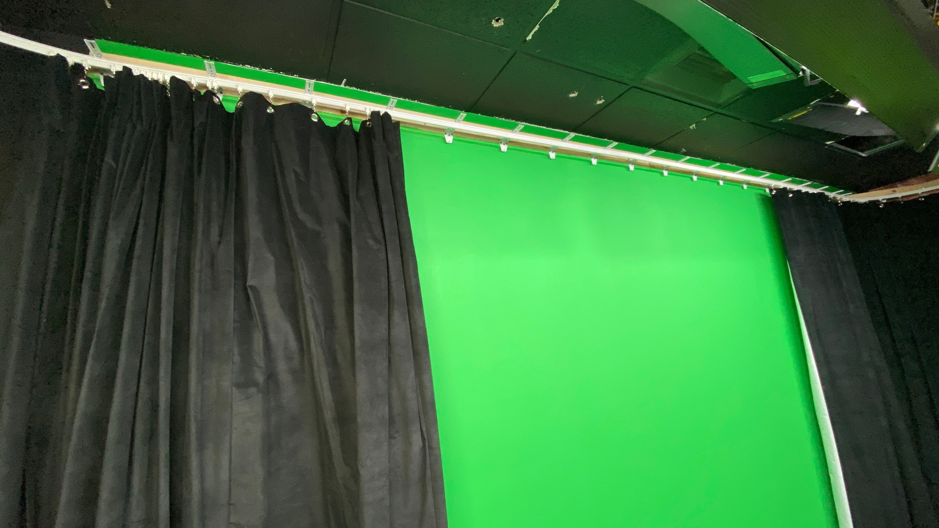 wall mounted flexible curtain track