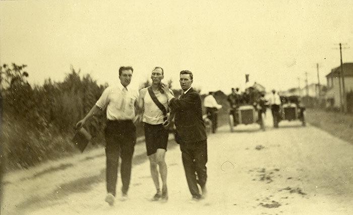 Олимпийский марафон 1904 года — самый тяжелый и смертельно опасный в истории
