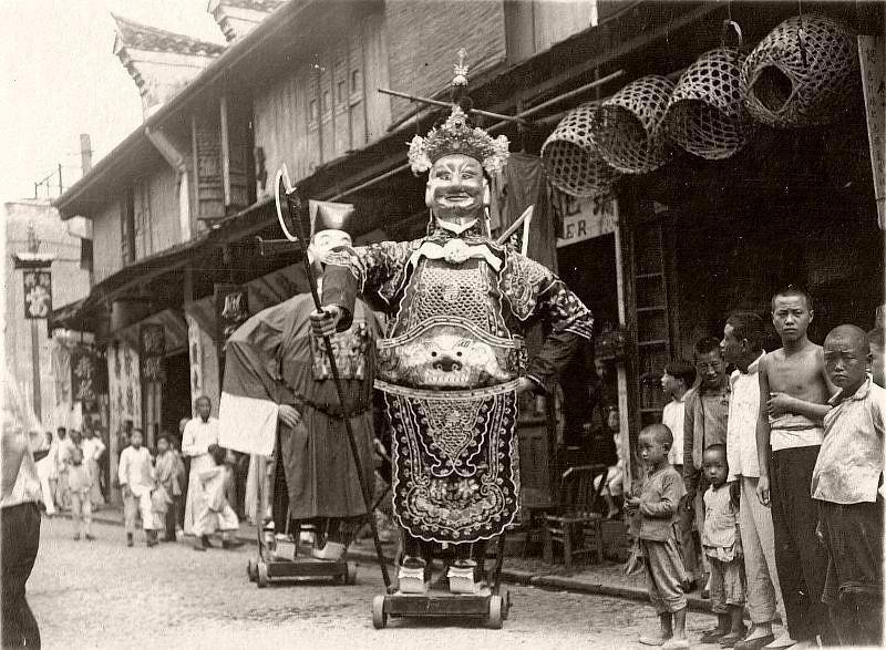 Как и чем жил Китай сто лет назад: 16 редких винтажных снимков Китая 1920-х годов