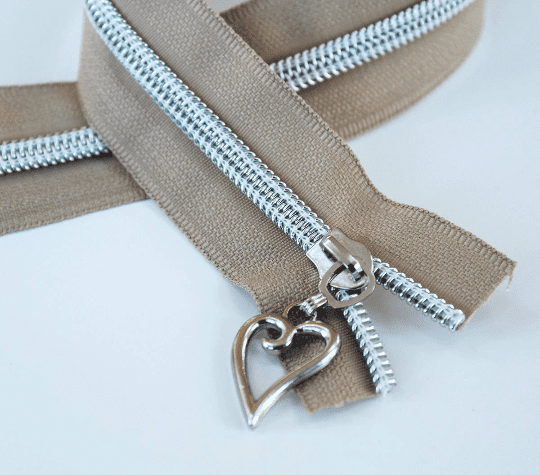 #5 beige zipper with silver coil heart pulls