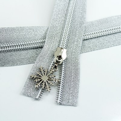 #5 Metallic Silver Zipper with Silver Coil