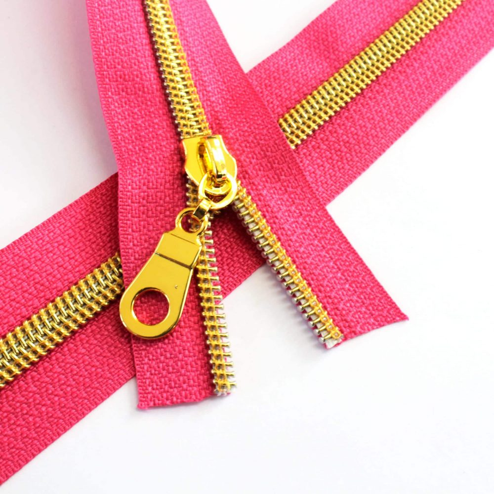 5-Nylon-Coil-Zipper-fuchsia-with-gold-teeth