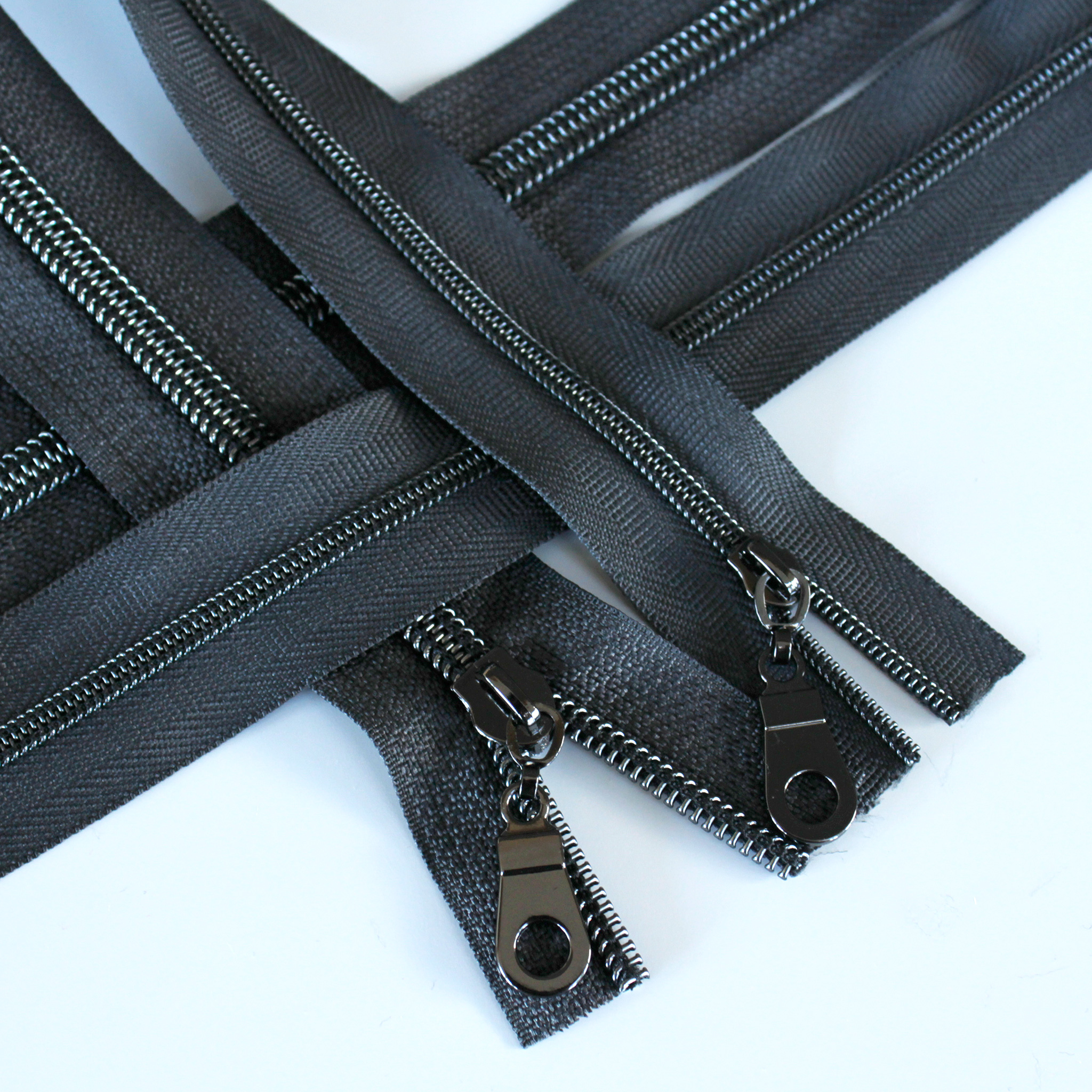 3-5-Nylon-Coil-Zipper-charcoal-with-gunmetal-teeth