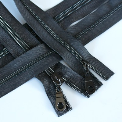 3-5-Nylon-Coil-Zipper-charcoal-with-gunmetal-teeth