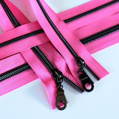 3-5-Nylon-Coil-Zipper-princess-pink-with-gunmetal-teeth