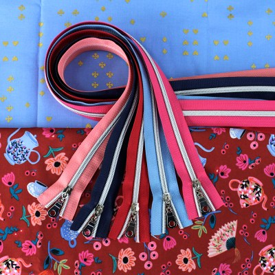 Wonderland Fabric & Zipper Bundle - red