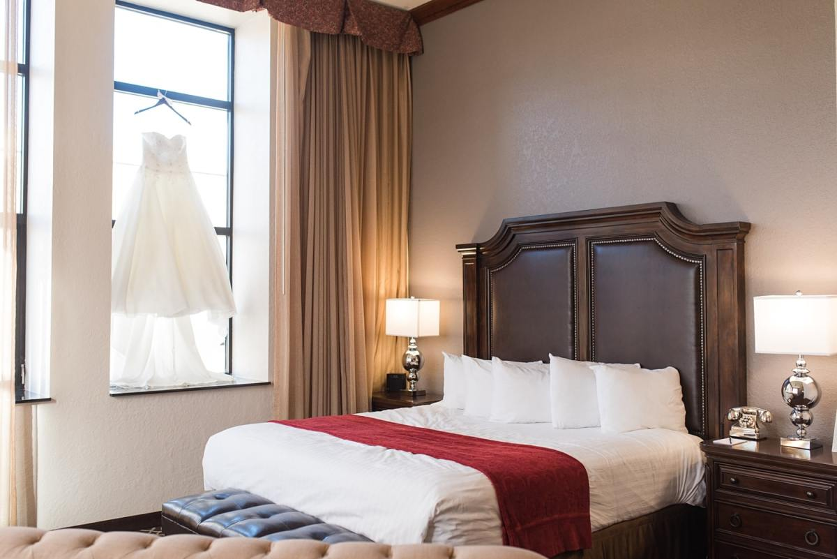 the de lux hotel Des Moines