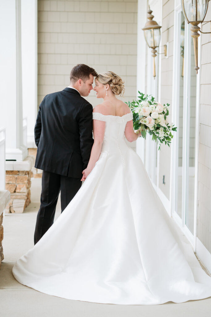 classic glen oaks wedding