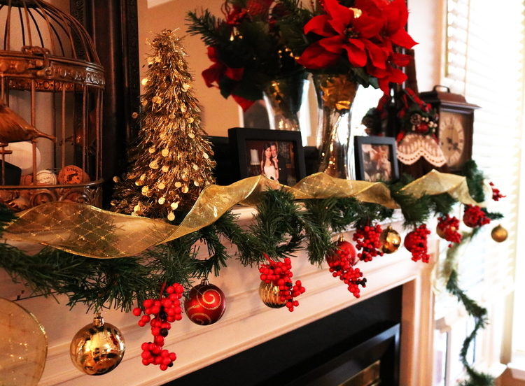 christmas, 2017, holiday, lifestyle, diy, garland, mantle, photo shoot, gifts, gift guide, ideas, do it yourself, traditions, cards, photos, presents, decorations, decor, indoor, outdoor, lights, reindeer, sleigh, ornaments, ribbon, berries, frugal, cheap, money saving, splurge, him, her, kids, teens, family, momblogger, new, fireplace, santa, christmas tree, little conquest