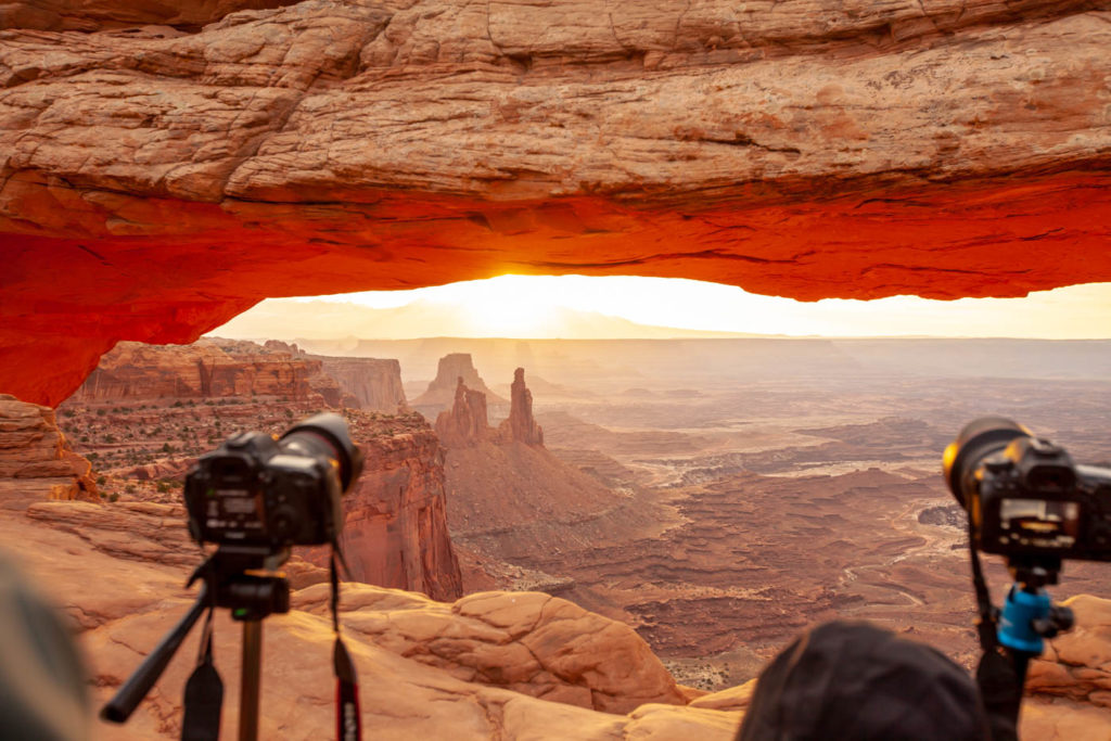 Photographing Mesa Arch at Sunrise in Canyonlands National Park #vezzaniphotography