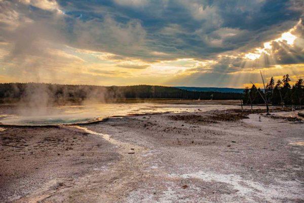 Yellowstone National Park Screensaver and Desktop Images Celestine Pool