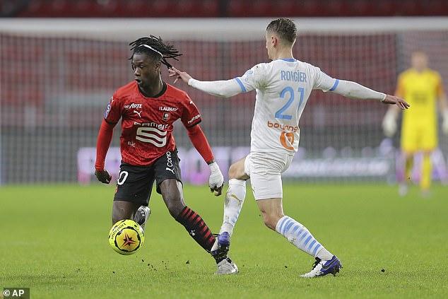 Eduardo Camavinga (izq.), Niño de las maravillas de Rennes, ha estado fuertemente vinculado con un fichaje por el Real Madrid