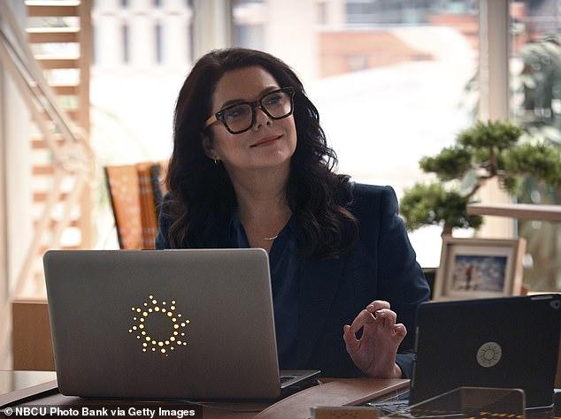 Escrito: Lauren Graham ha sido eliminada de la temporada 2 del programa de NBC, Zoey's Extraordinary Playlist, con su personaje Joan partiendo el martes por la noche.