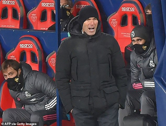 Zinedine Zidane estaba furioso porque el partido del Real Madrid se adelantaba en Osasuna