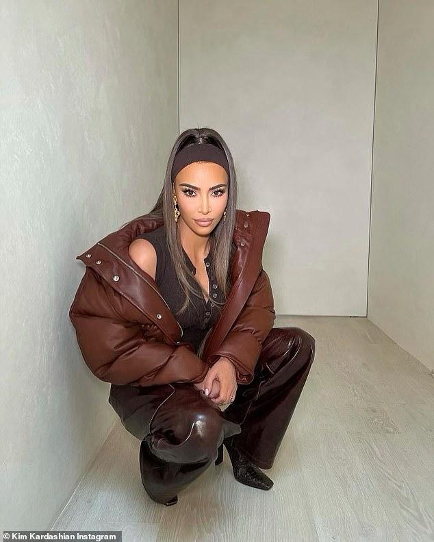 Manteniéndolo cordial: a pesar de un posible divorcio, Kim Kardashian y su esposo Kanye West 'no tienen mala sangre y son muy cordiales' entre ellos, dijo una fuente a E!  Noticias el jueves;  Kim fotografiada el miércoles