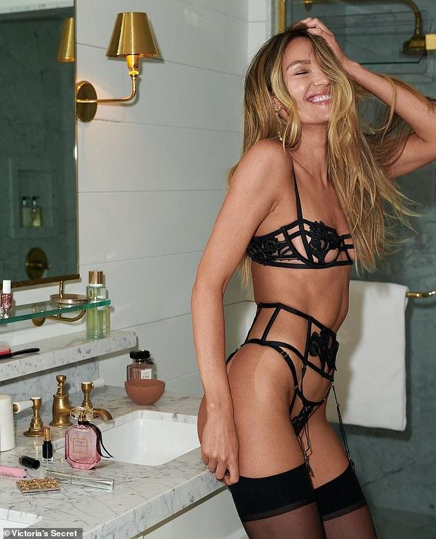 ¡Qué ángel!  Candice Swanepoel estuvo al frente y al centro de una nueva campaña para la marca de lencería Victoria's Secret, mientras modelaba un conjunto de lencería negra chisporroteante.