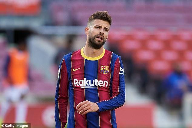El defensa del Barcelona Gerard Piqué ha intervenido en un debate sobre el arbitraje en España