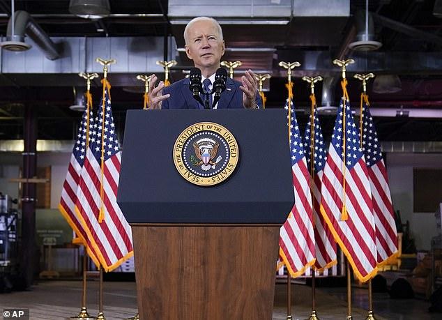 Biden solo ha sido presidente durante tres meses, pero ya ha convencido al Congreso de que gaste 1,9 billones de dólares en un paquete de estímulo de Covid, y ahora quiere que gaste otros 2,3 billones de dólares en su plan de renovación de infraestructura.