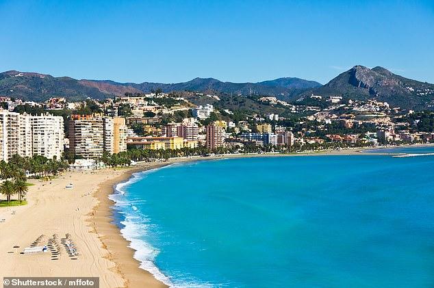 España aceptará turistas británicos sin una prueba de Covid negativa a partir de hoy, pero es probable que su cobertura de viaje sea nula si visitan el país, dijeron los expertos.  En la foto: Imagen de archivo de Málaga, España