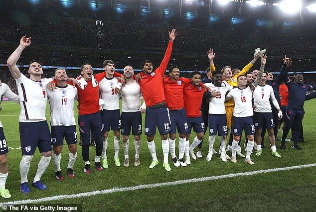 Inglaterra participará en una gran final por primera vez en 55 años cuando se enfrente a Italia esta noche.