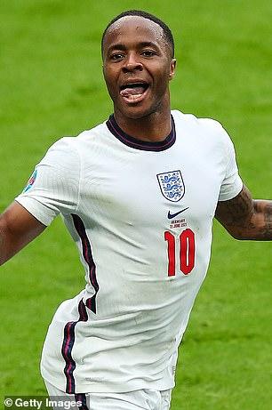 Raheem Sterling fue uno de los tres jugadores de Inglaterra nombrados en el equipo oficial del torneo de la Eurocopa 2020 de la UEFA