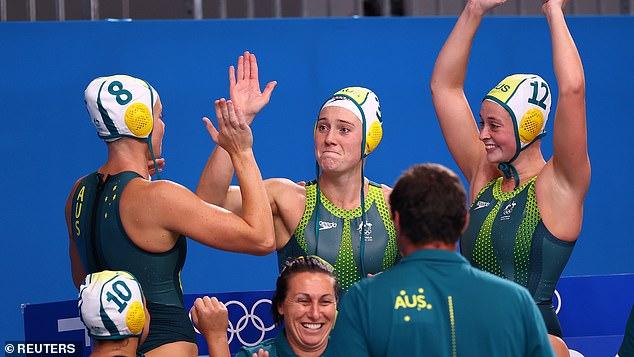 Los Stingers celebran tras su victoria sobre Holanda en los Juegos Olímpicos el lunes